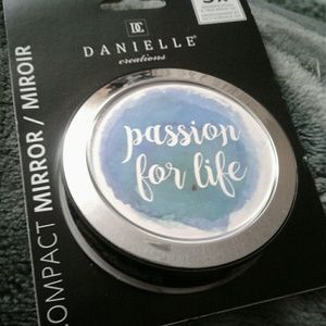 Compact mirror/  passion for life / new
